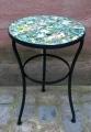 Tisch mit Gestell