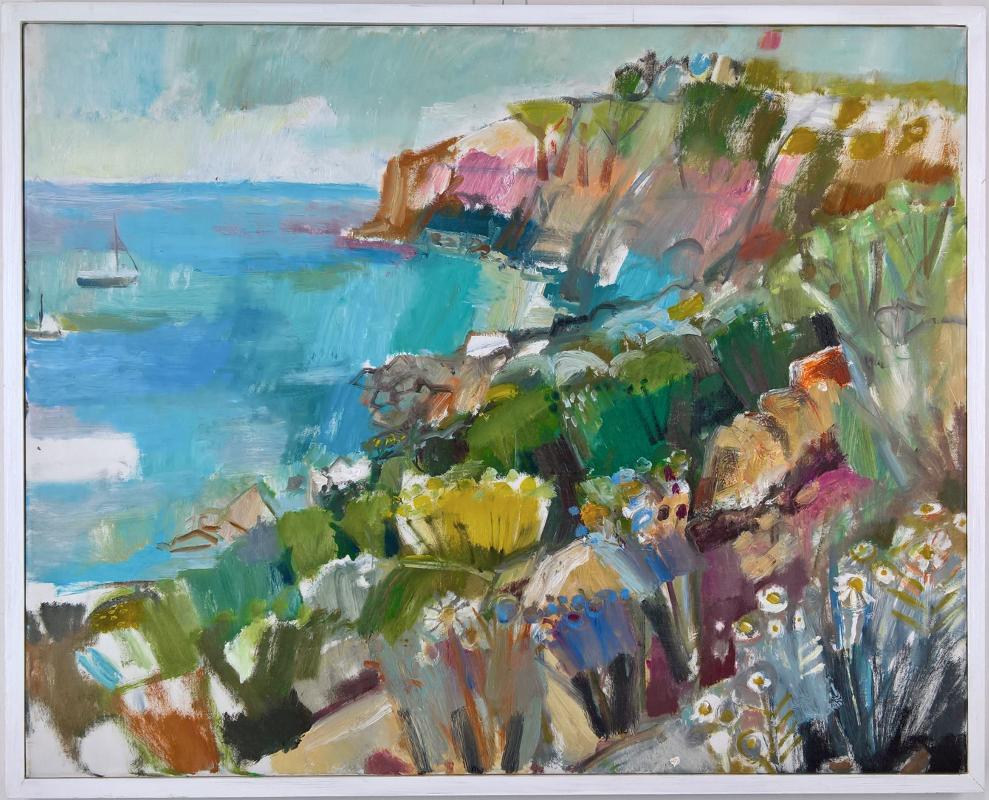 Blühende Steilküste